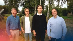 Henrik Engqvist, Nils Åsheim, Martin Bondéus, Henrik Engqvist, Eric Bengtsson i somrig utomhusmiljö.